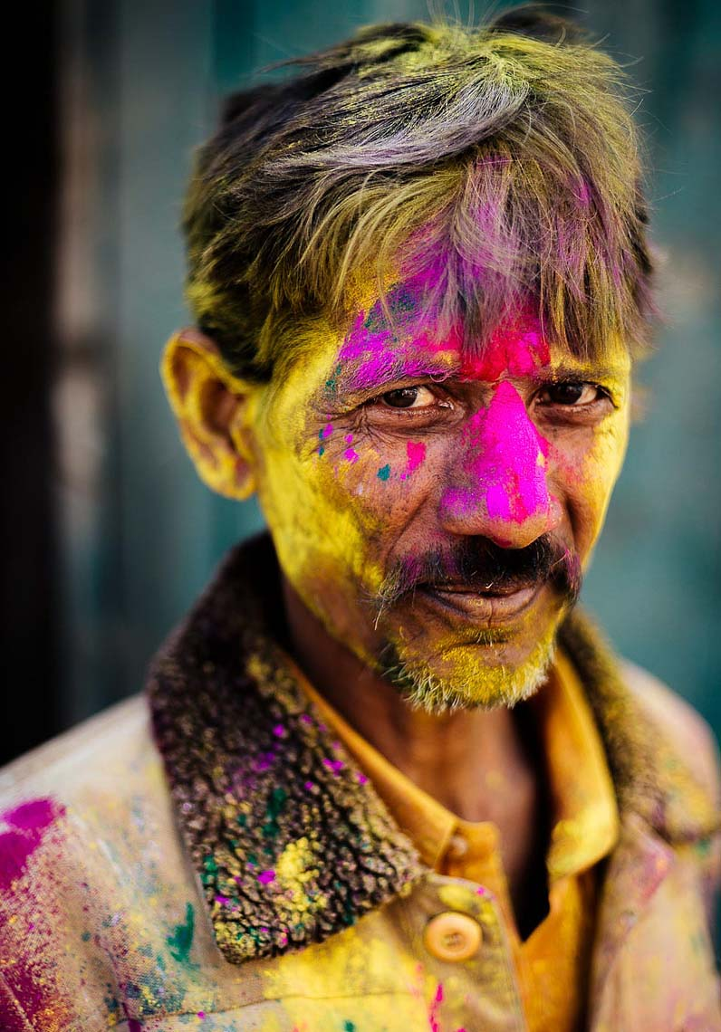 Holi-Festival-Man-Face-Paint-Colour-India-012
