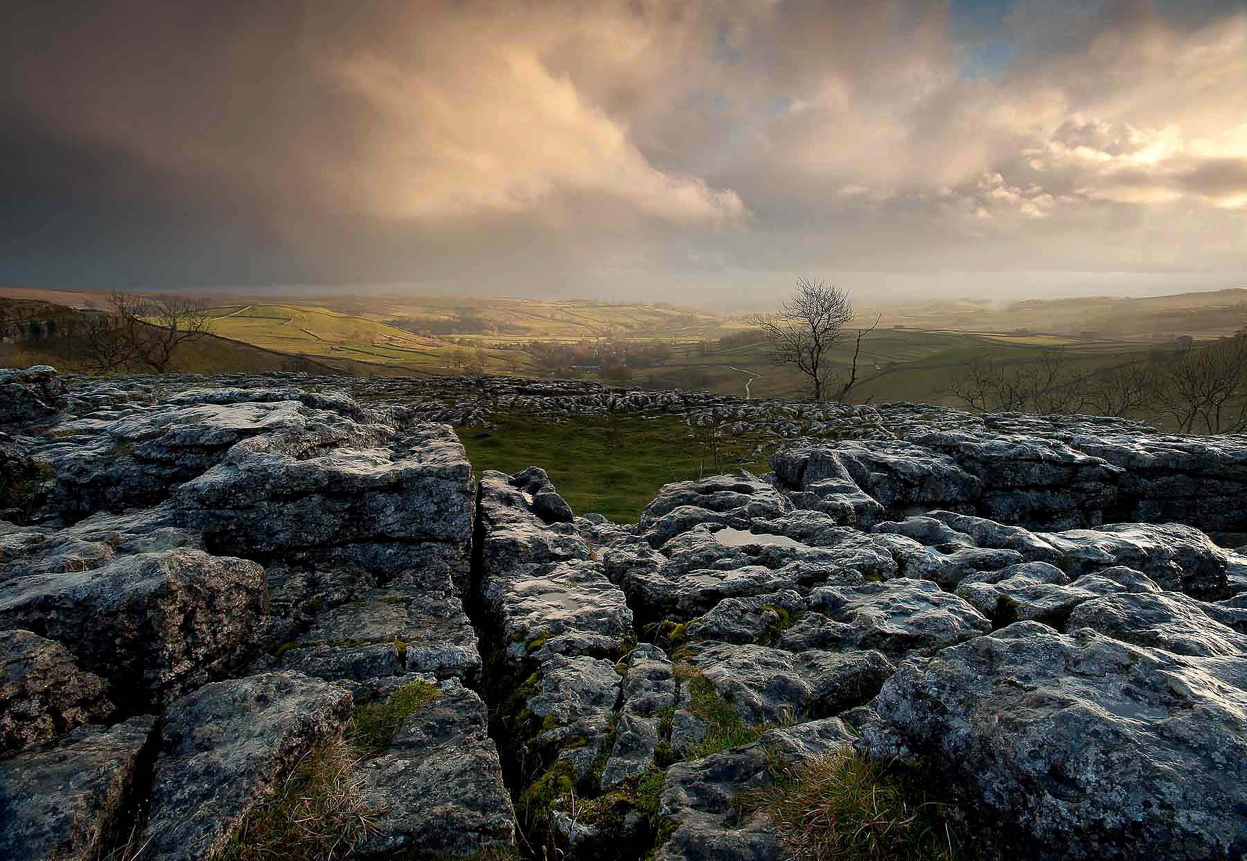 Malham-Cove-Yorkshire-Dales-National-Park-UK-Landscape