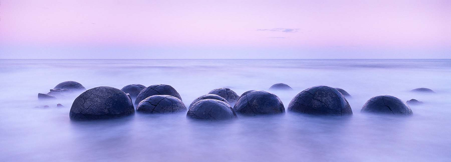 Moeraki-Boulders-Dawn-New-Zealand-Panoramic-Landscape-Photography