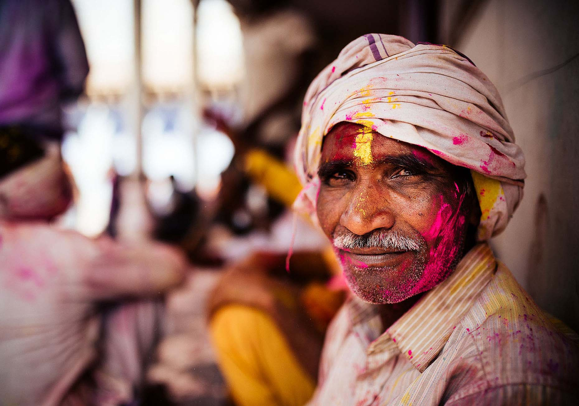 Portrait-Man-Turban-Indian-Holi-Festival-Colour-India-008