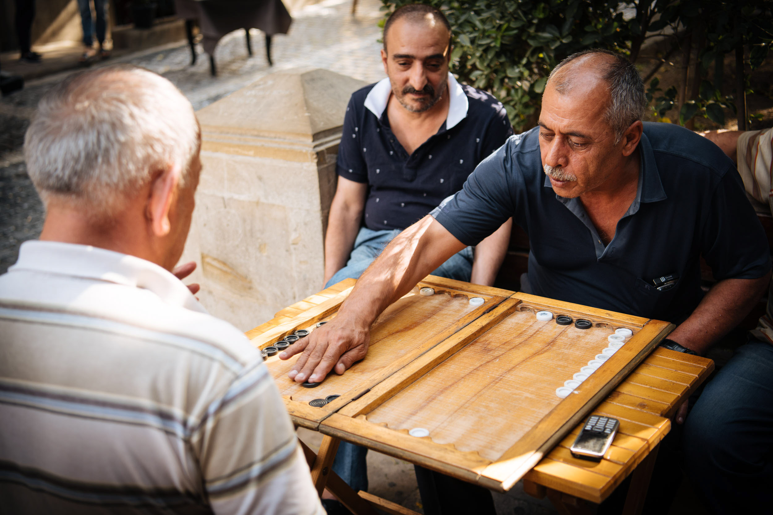 backgammon-game-men-playing-baku-azerbaijan-tradition