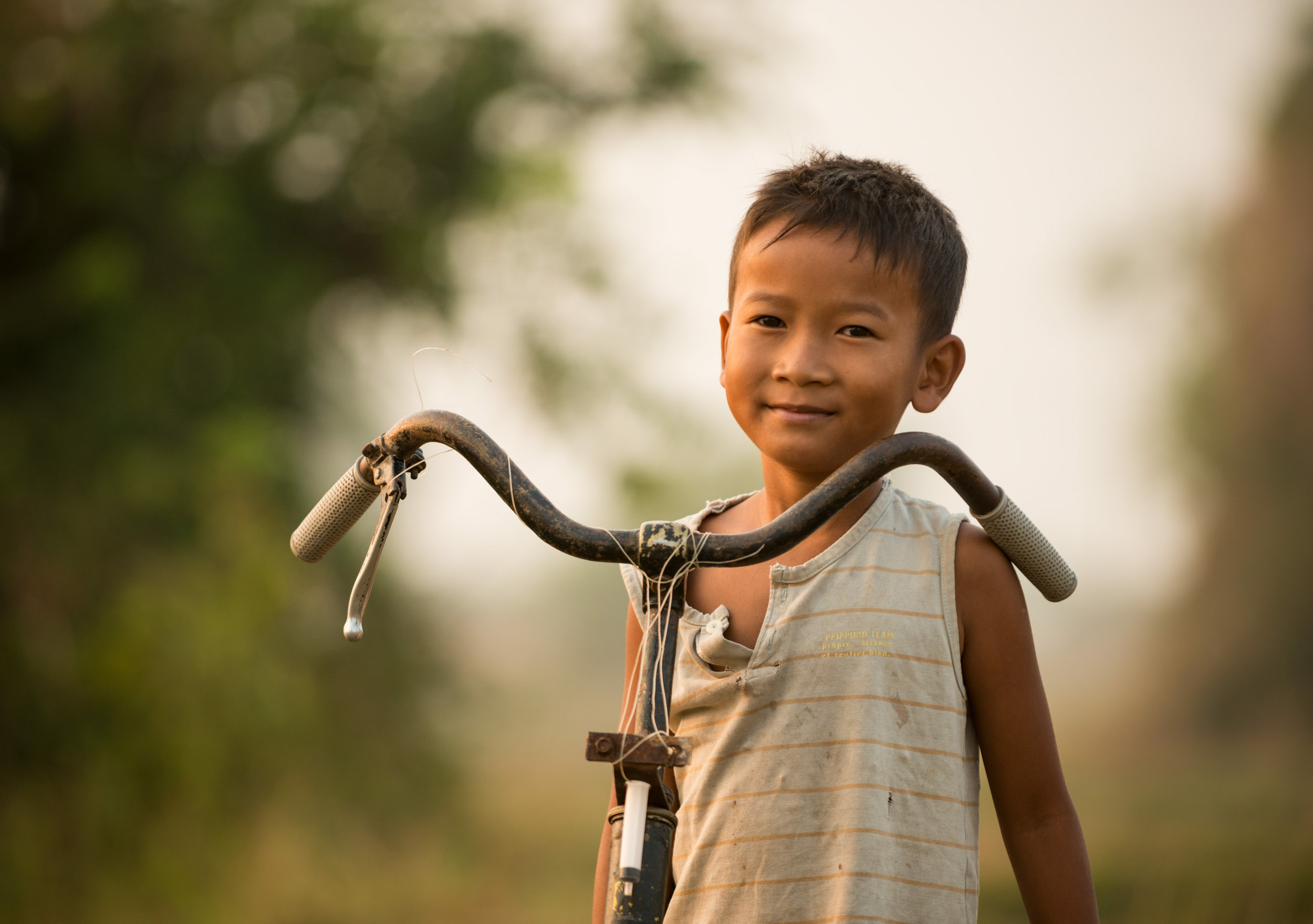 boy-portrait-kep-cambodia-asia-bicycle