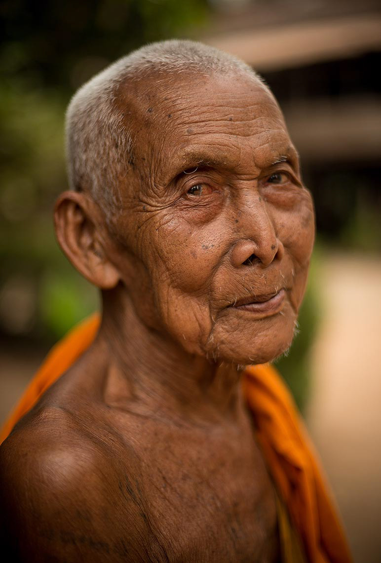 buddhist-monk-portrait-photography-angkor-siem-reap-cambodia-asia