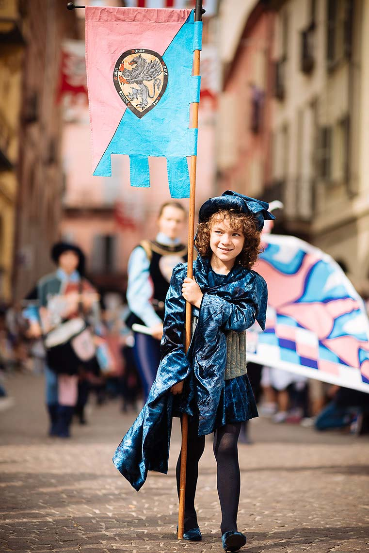 children-flag-palio-asti-italy-10
