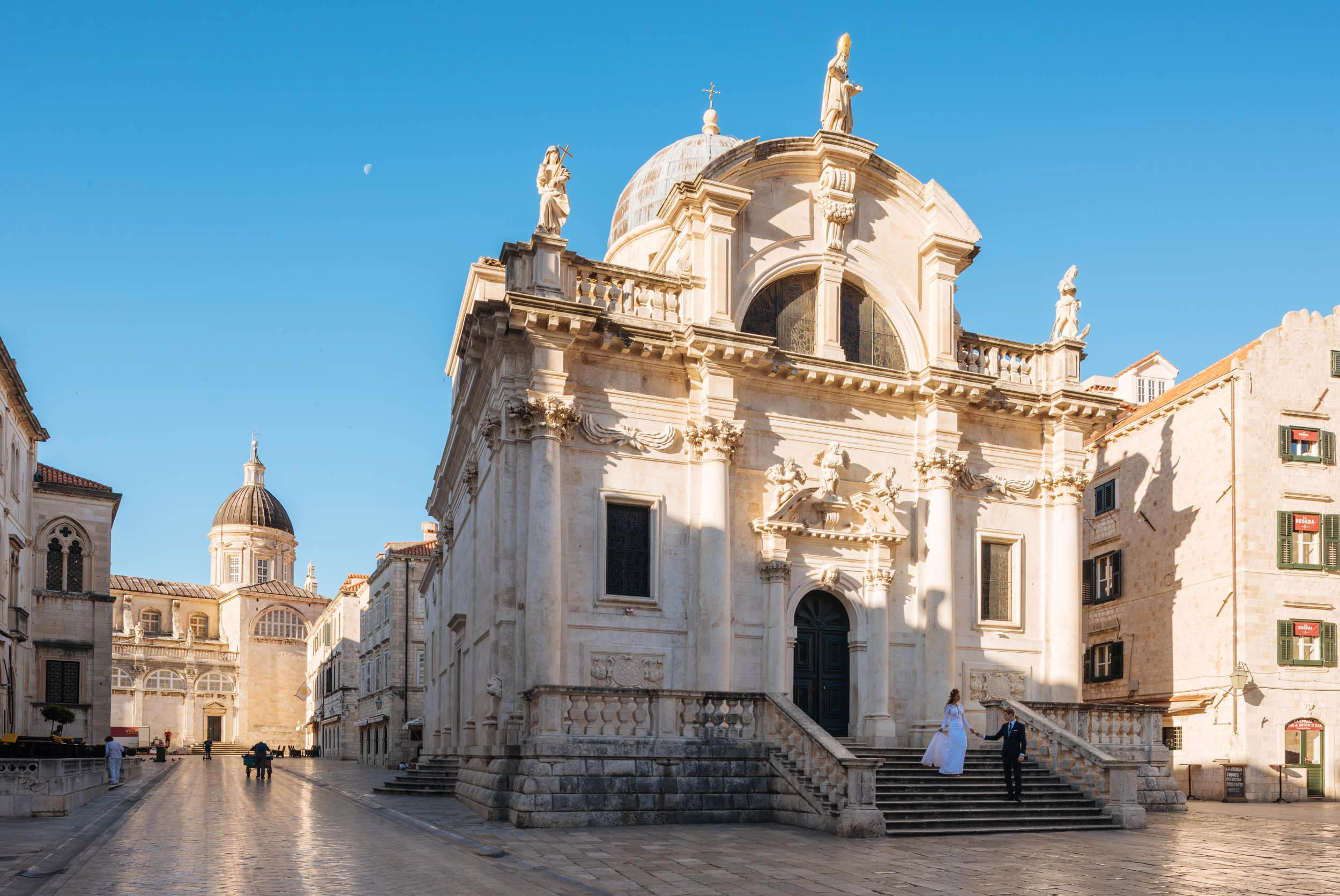 church-architecture-dubrovnik-croatia-balkan-travel-city-008