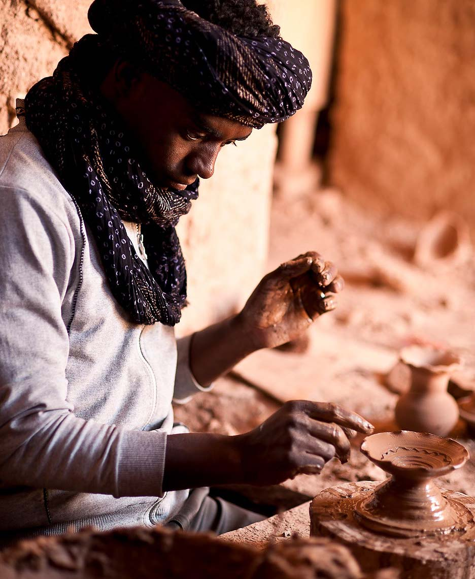 clay-pottery-working-tamegroute-morocco-africa-07