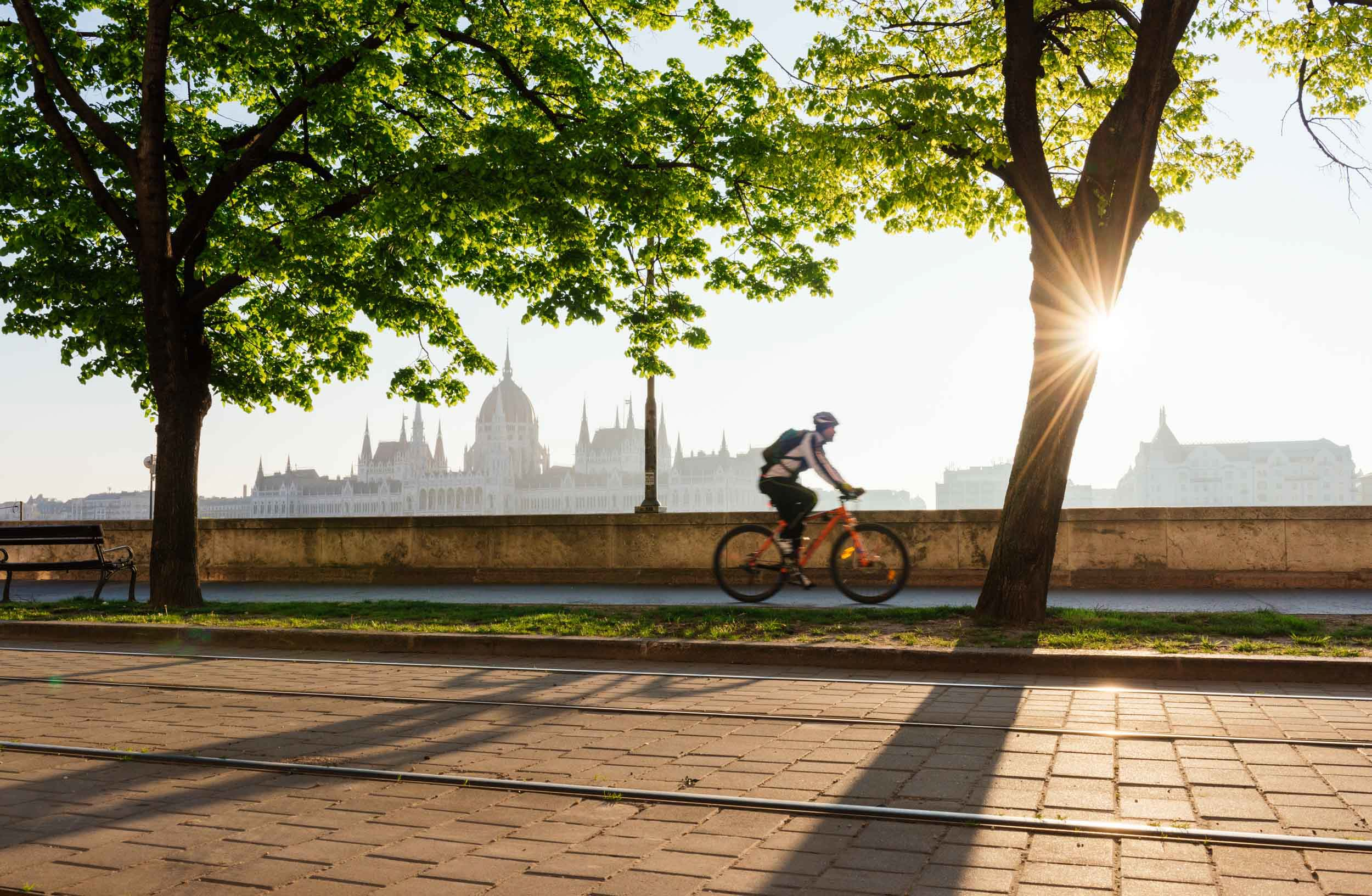 dawn-cycling-road-fishermans-bastion-dawn-sunrise-budapest-hungary-travel
