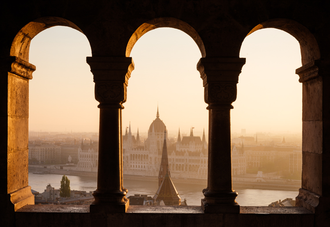 fishermans-bastion-parliament-building-dawn-sunrise-budapest-hungary-travel