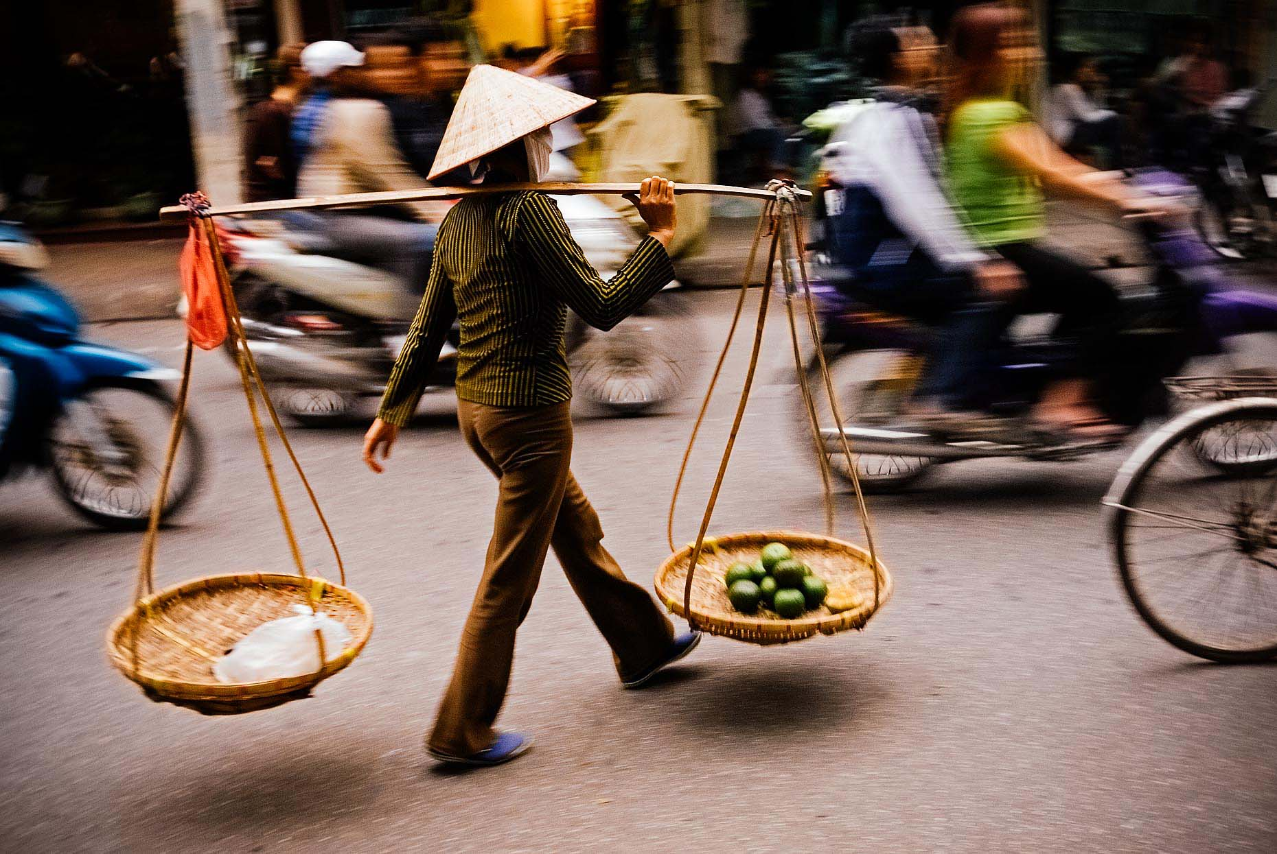 hanoi-street-photography-travel-vietnam-31