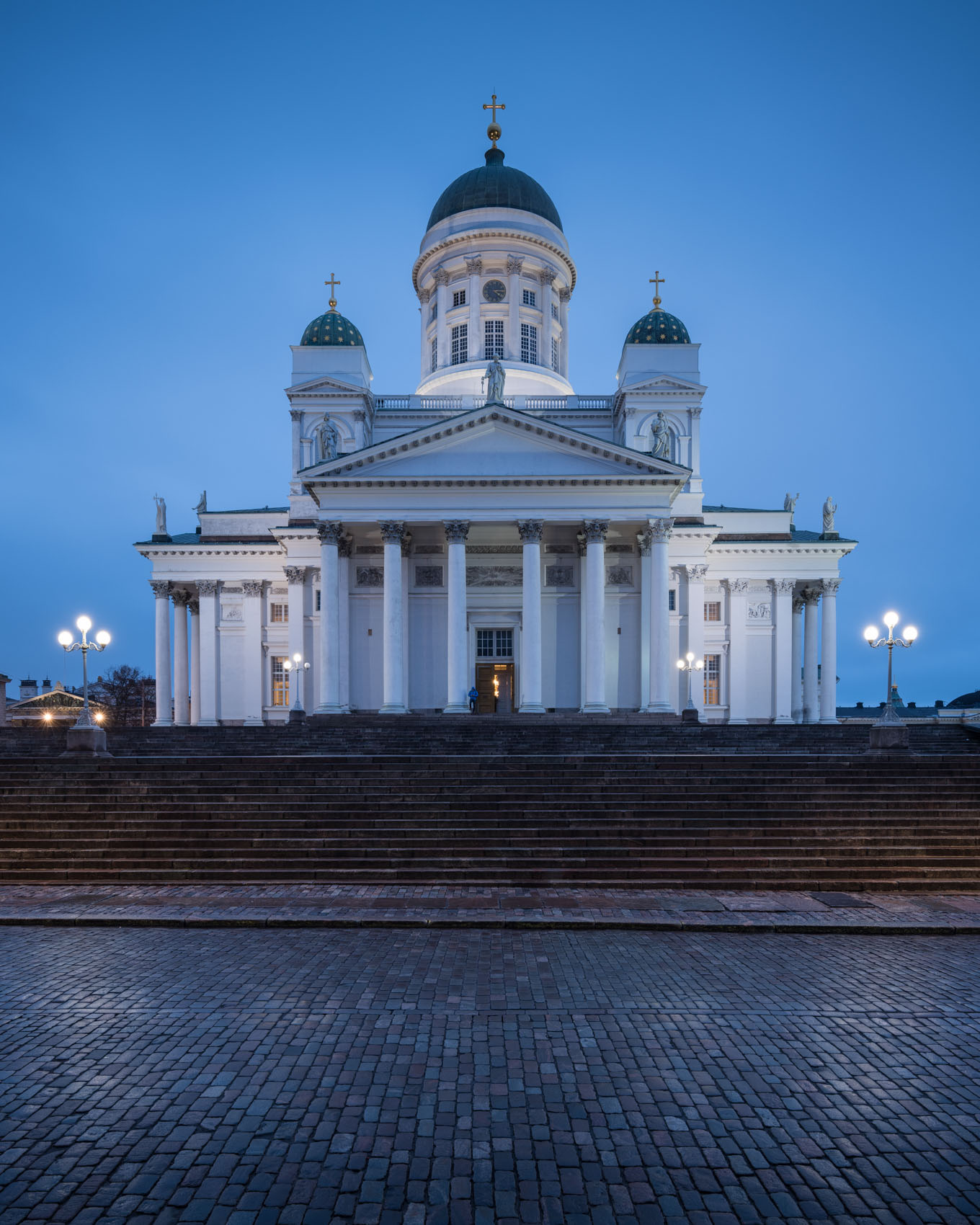 helsinki-cathedral-architecture-of-finland-at-night