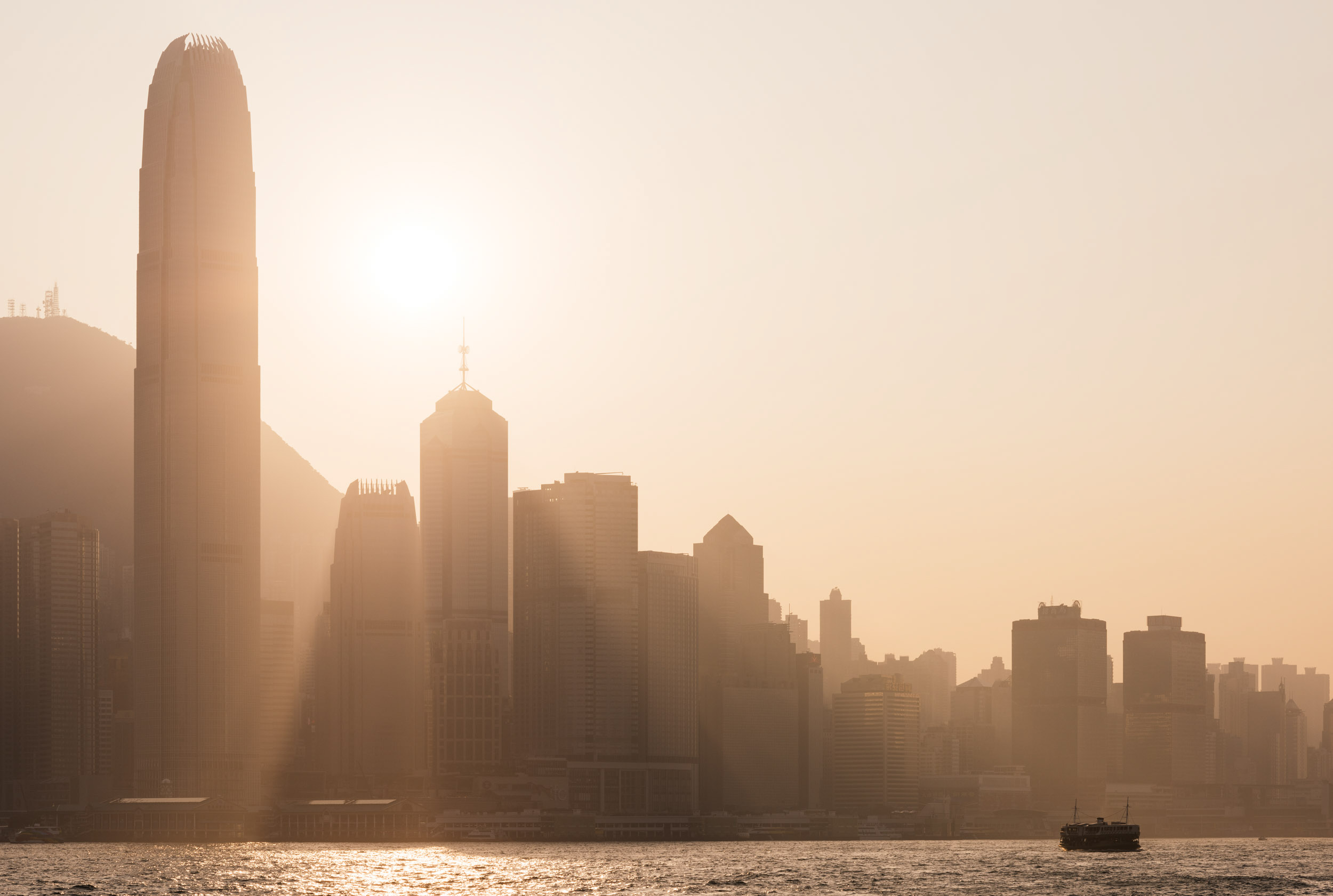 ifc-building-architecture-skyline-horizon-high-rise-hong-kong-china
