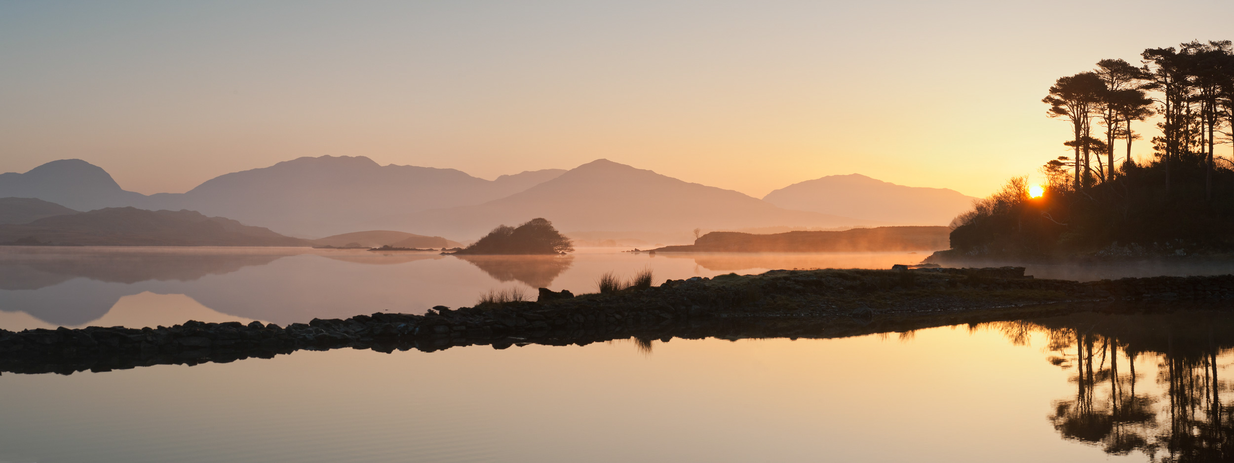 lake-still-dawn-sunrise-landscape-photographer-connemara-ireland-panoramic