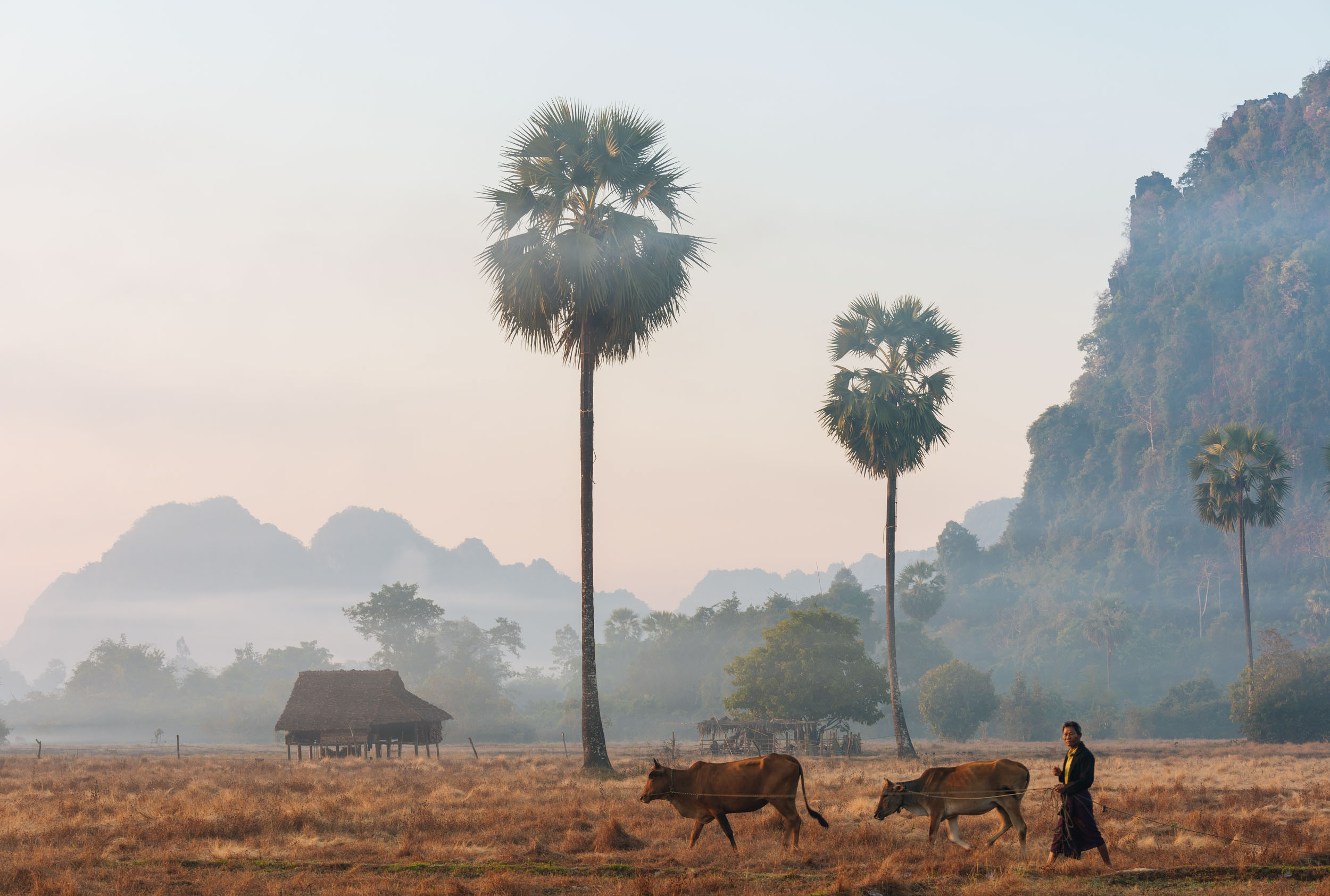landscape-hpa-an-dawn-travel-photographer-of-the-year-kayin-myanmar
