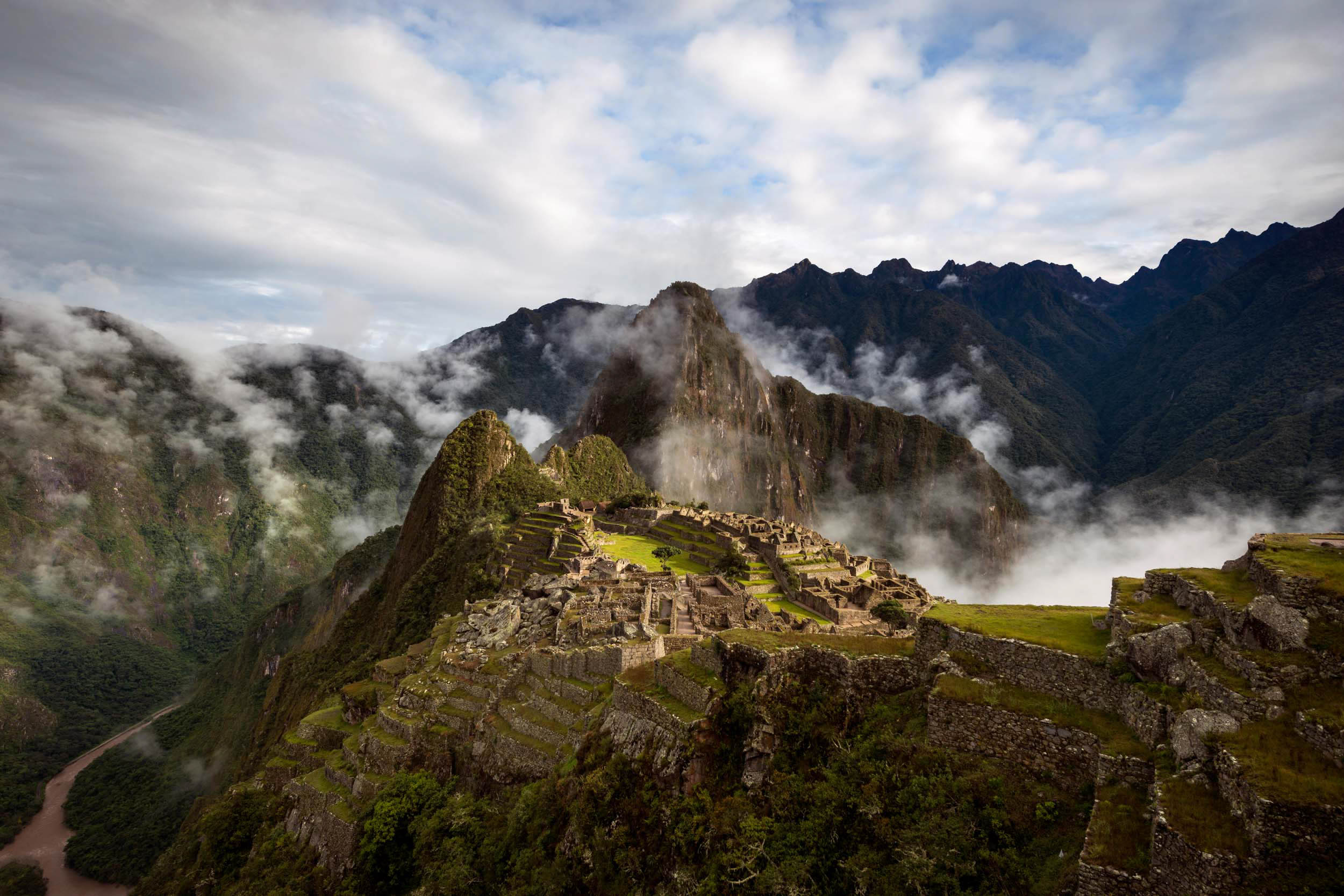 machu-picchu-sacred-valley-peru-south-america-latin-travel-destination