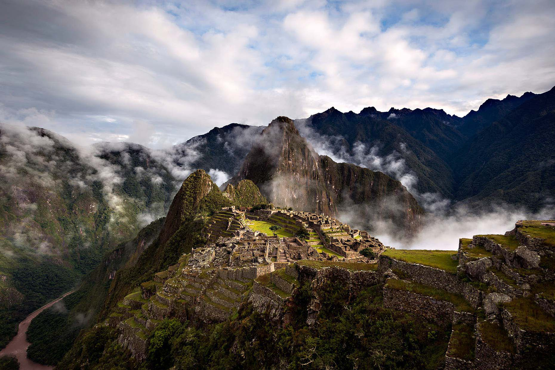 machu-picchu-unesco-site-sacred-valley-peru-landscape-photography-dawn-17