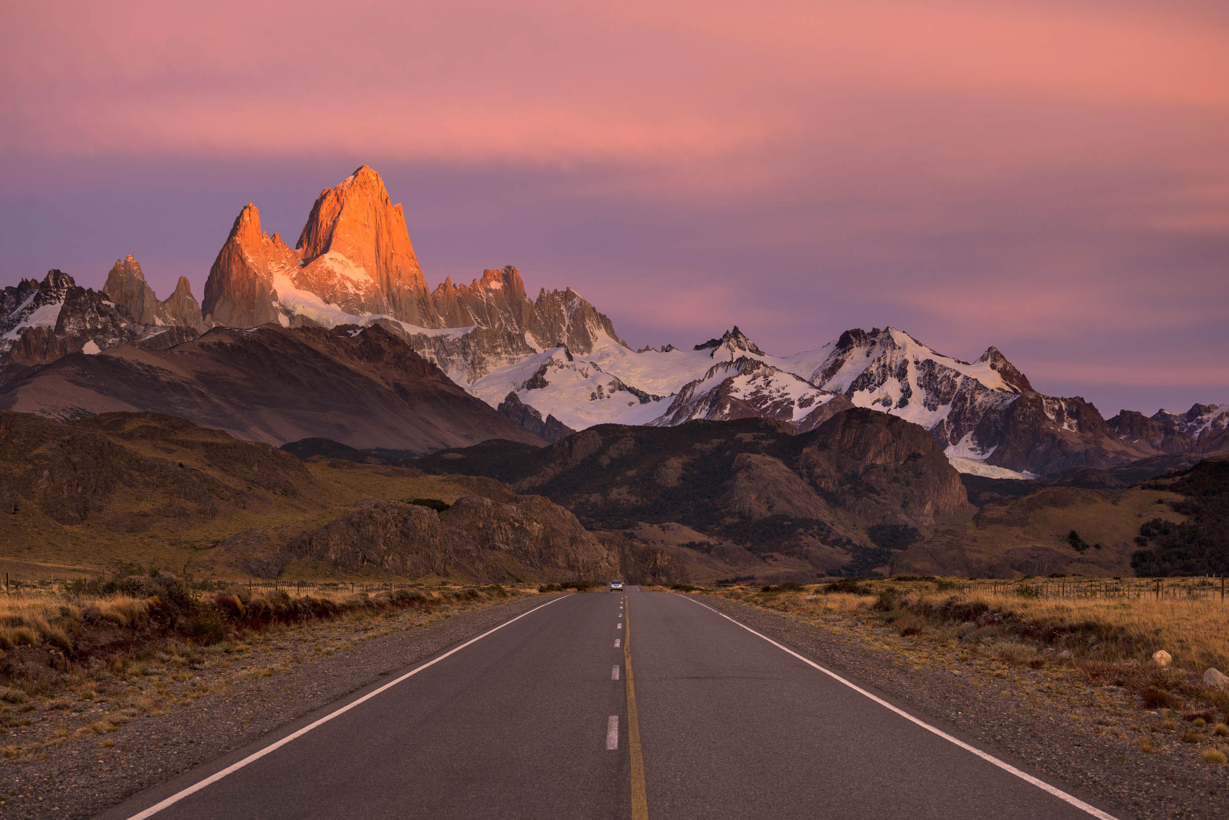 mountains-fitz-roy-range-peaks-sunrise-patagonia-argentina-photography-dawn