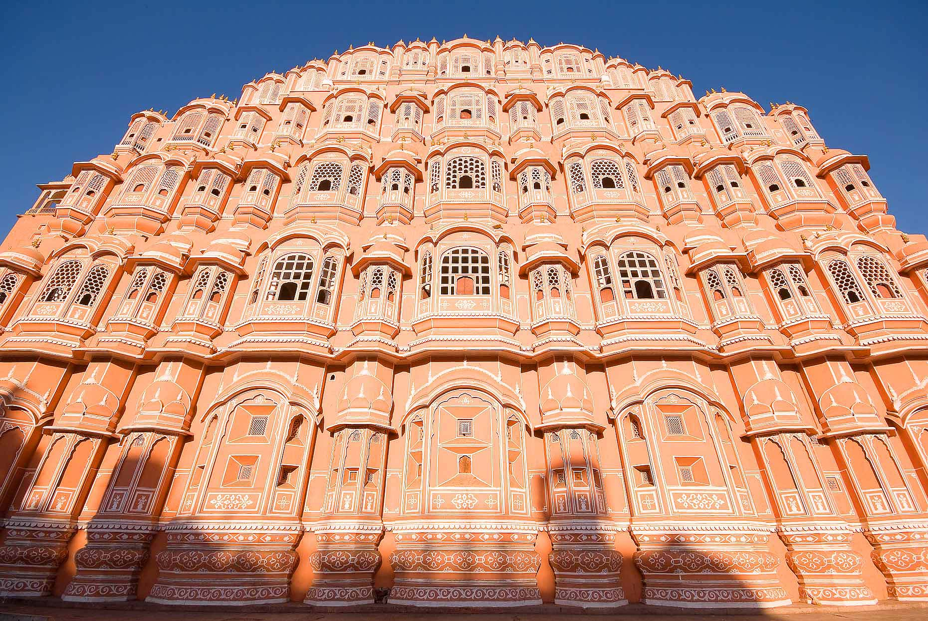 palace-winds-jaipur-rajasthan-india-architecture-exterior-06