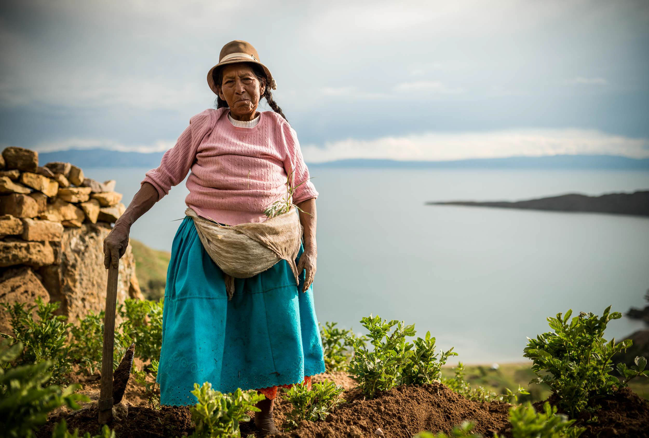 portrait-farmer-isla-del-sol-tradition-lake-titicaca-bolivia