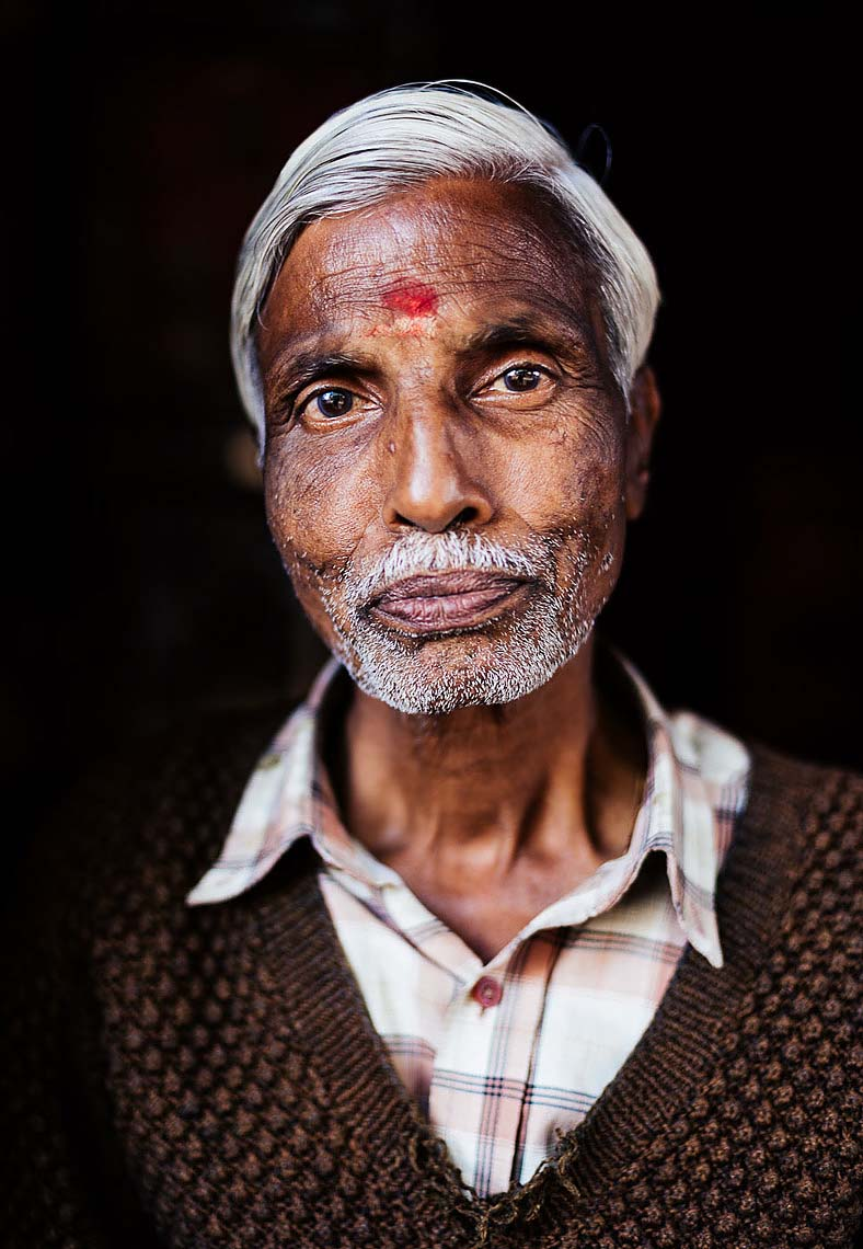 portrait-mathura-man-hindu-uttar-pradesh-india-12