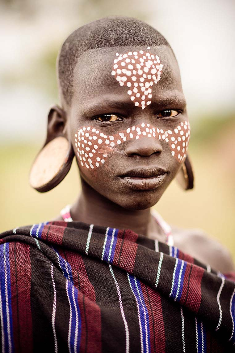 portrait-nachera-mursi-tribe-minisha-omo-valley-ethiopia-11