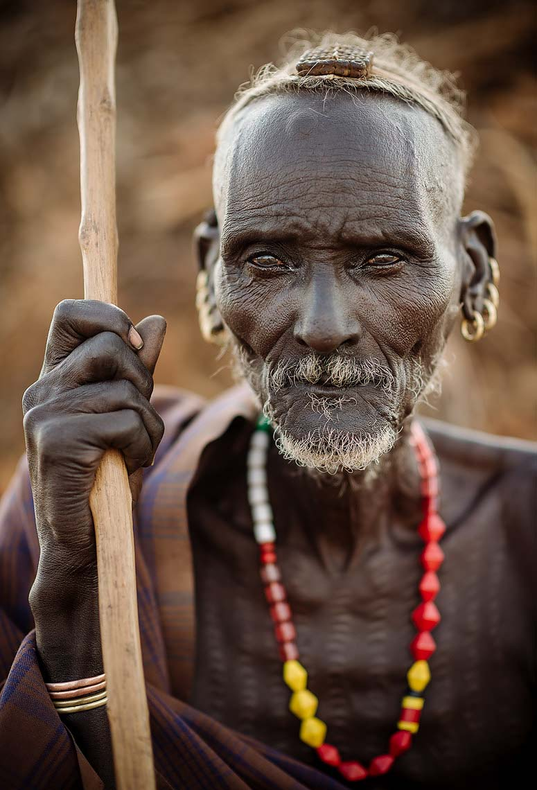 portrait-village-elder-afira-dassenech-tribe-omo-valley-ethiopia-16