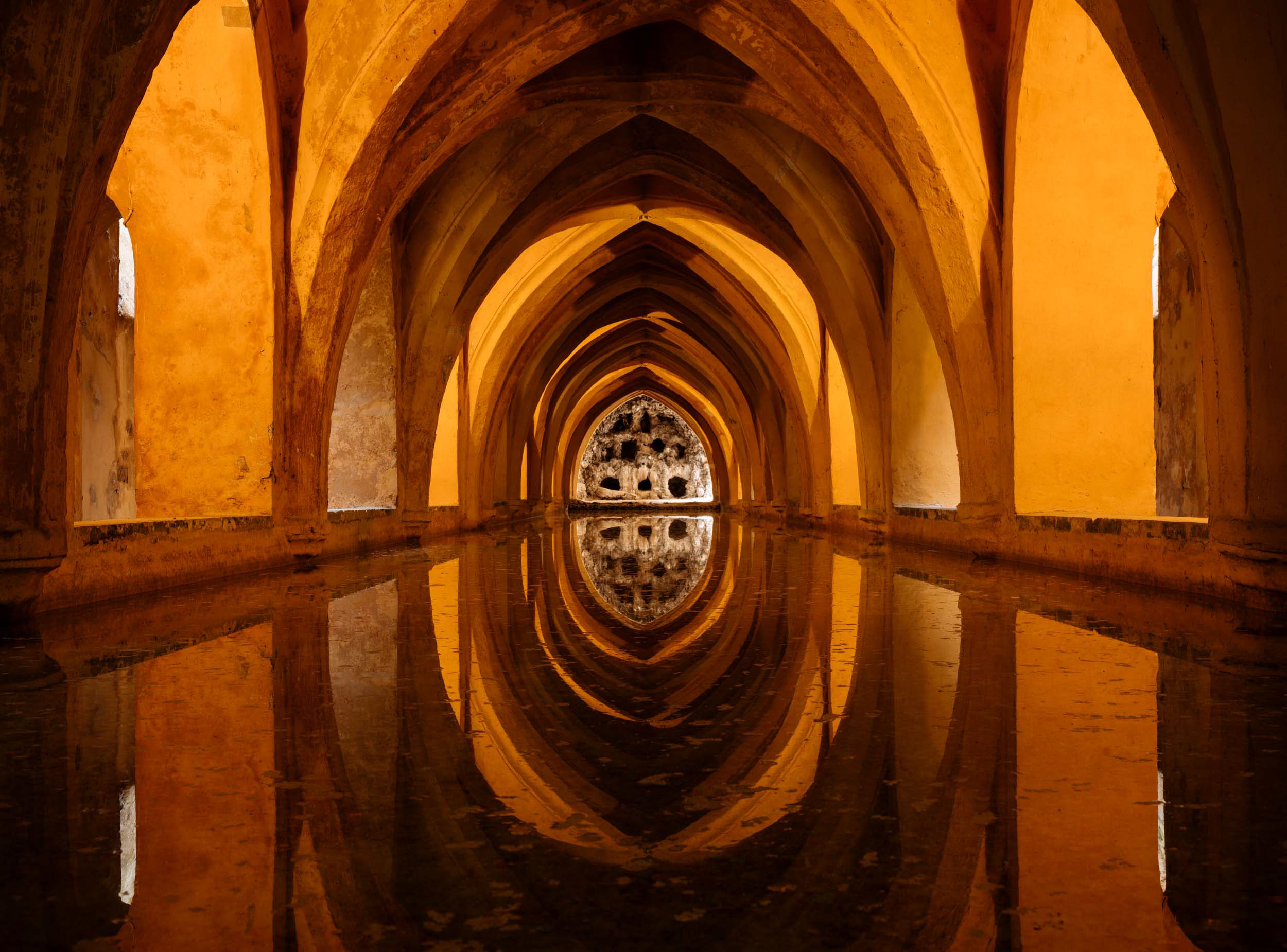 royal-alcazar-palace-interior-architecture-seville-andalucia-spain