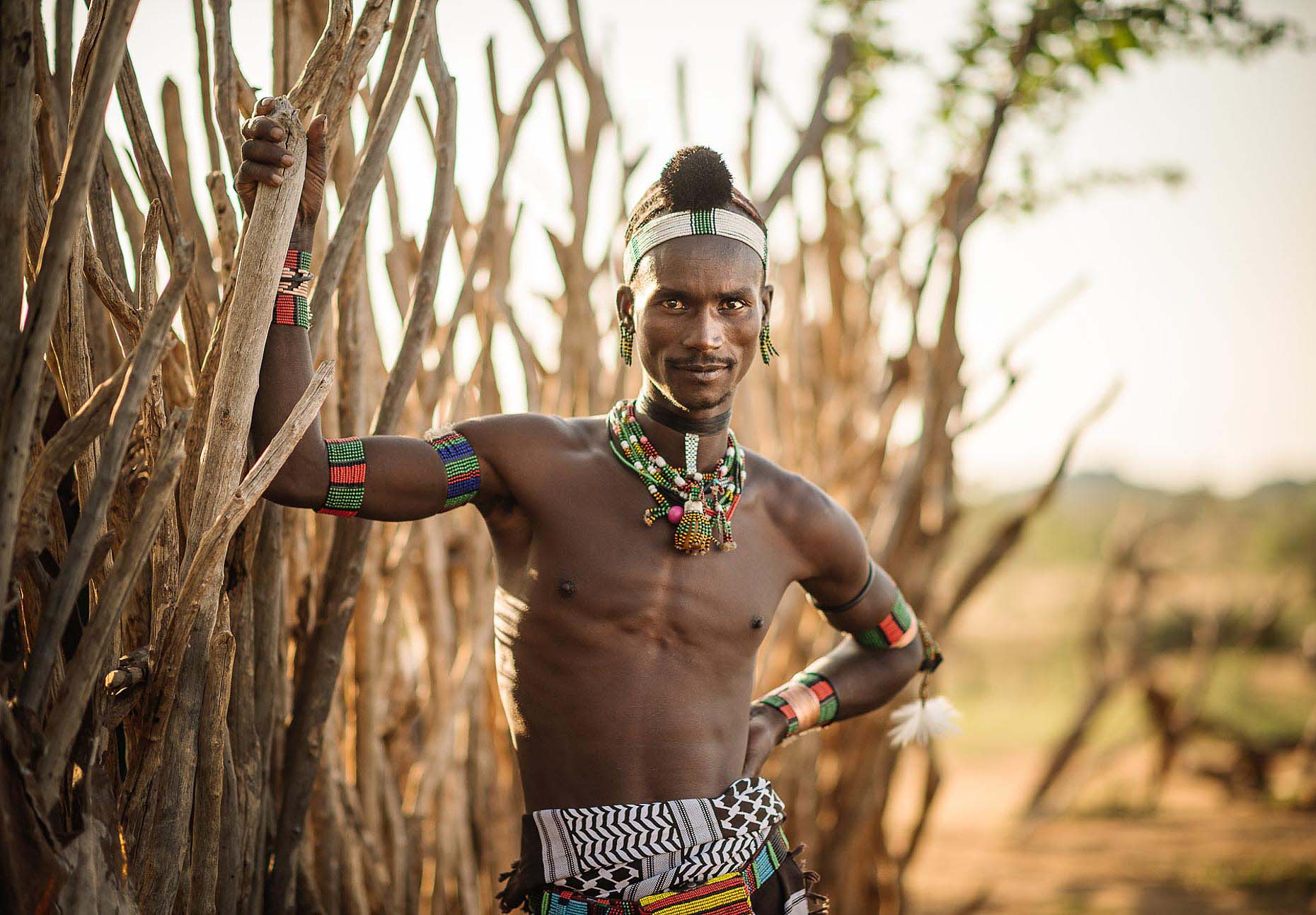 sabe-travel-portrait-hamar-tribe-omo-valley-ethiopia-africa-proud-21