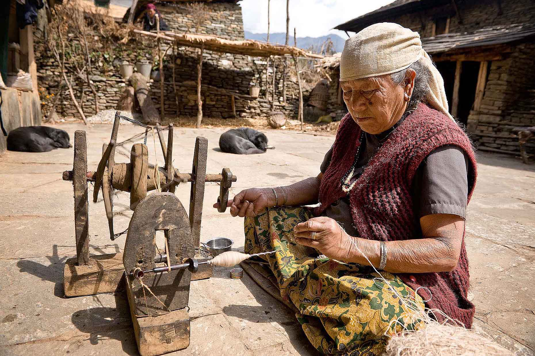sewing-machine-traditional-rural-ghandruk-annapurna-nepal-27