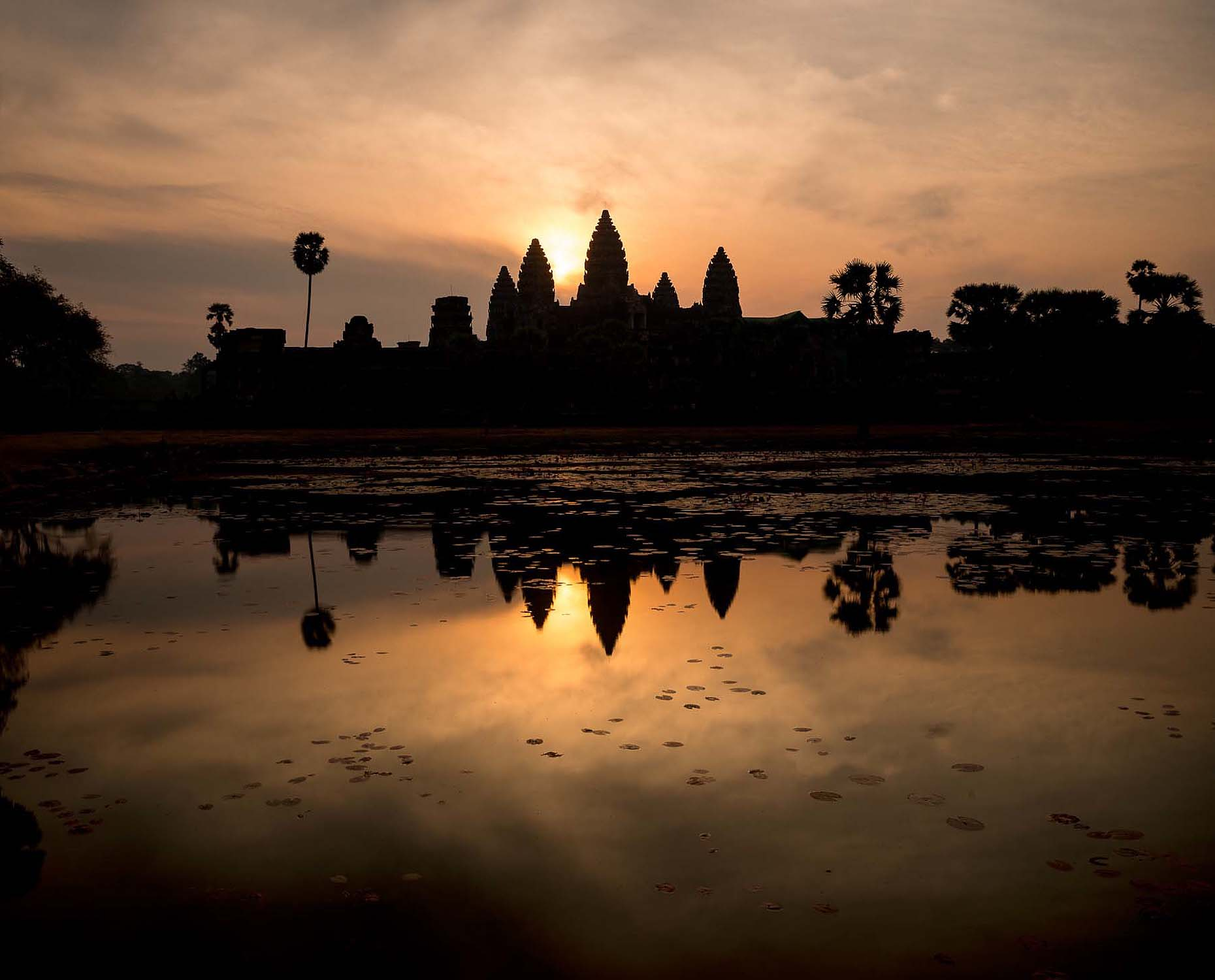 sunrise-angkor-wat-siem-reap-cambodia-temple-dawn-travel-43