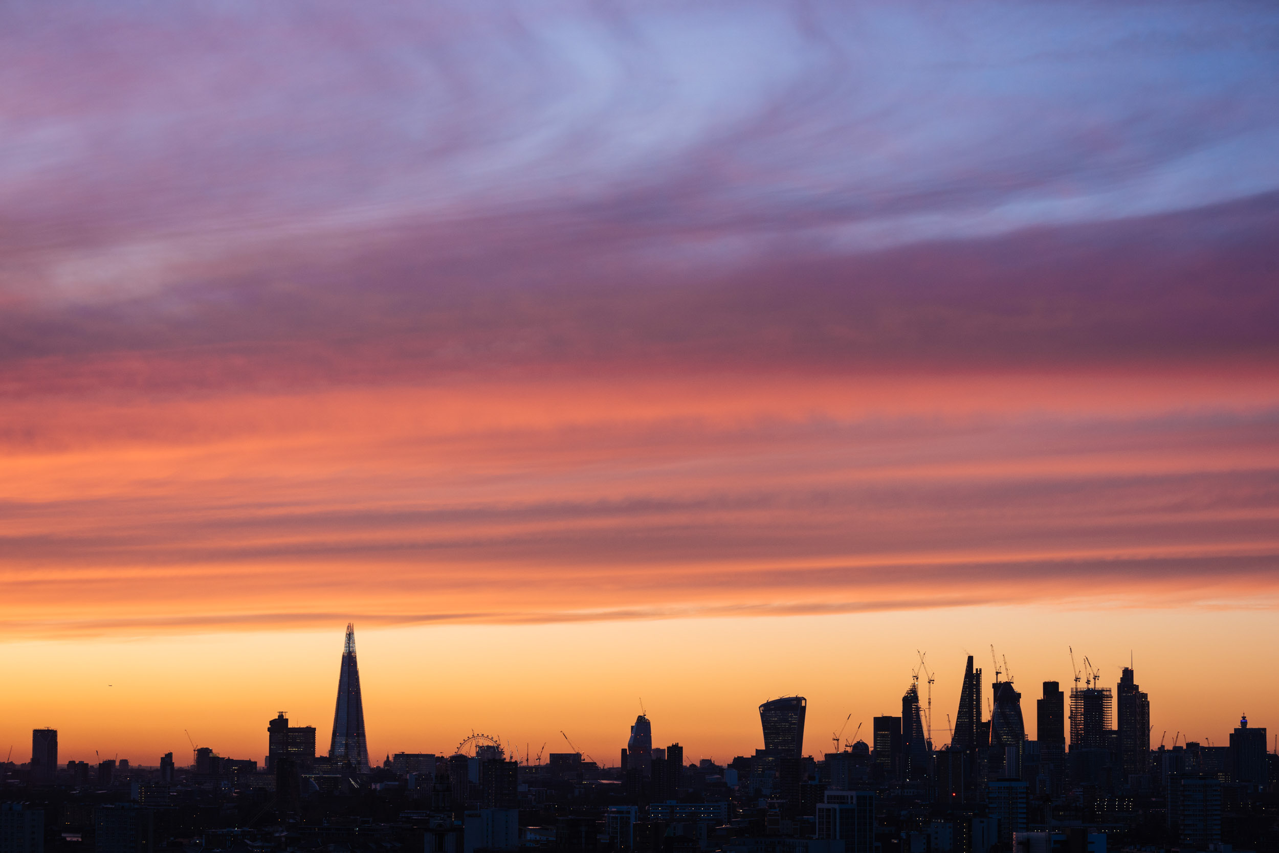 sunset-dusk-over-london-skyline-horizon-high-rise-city