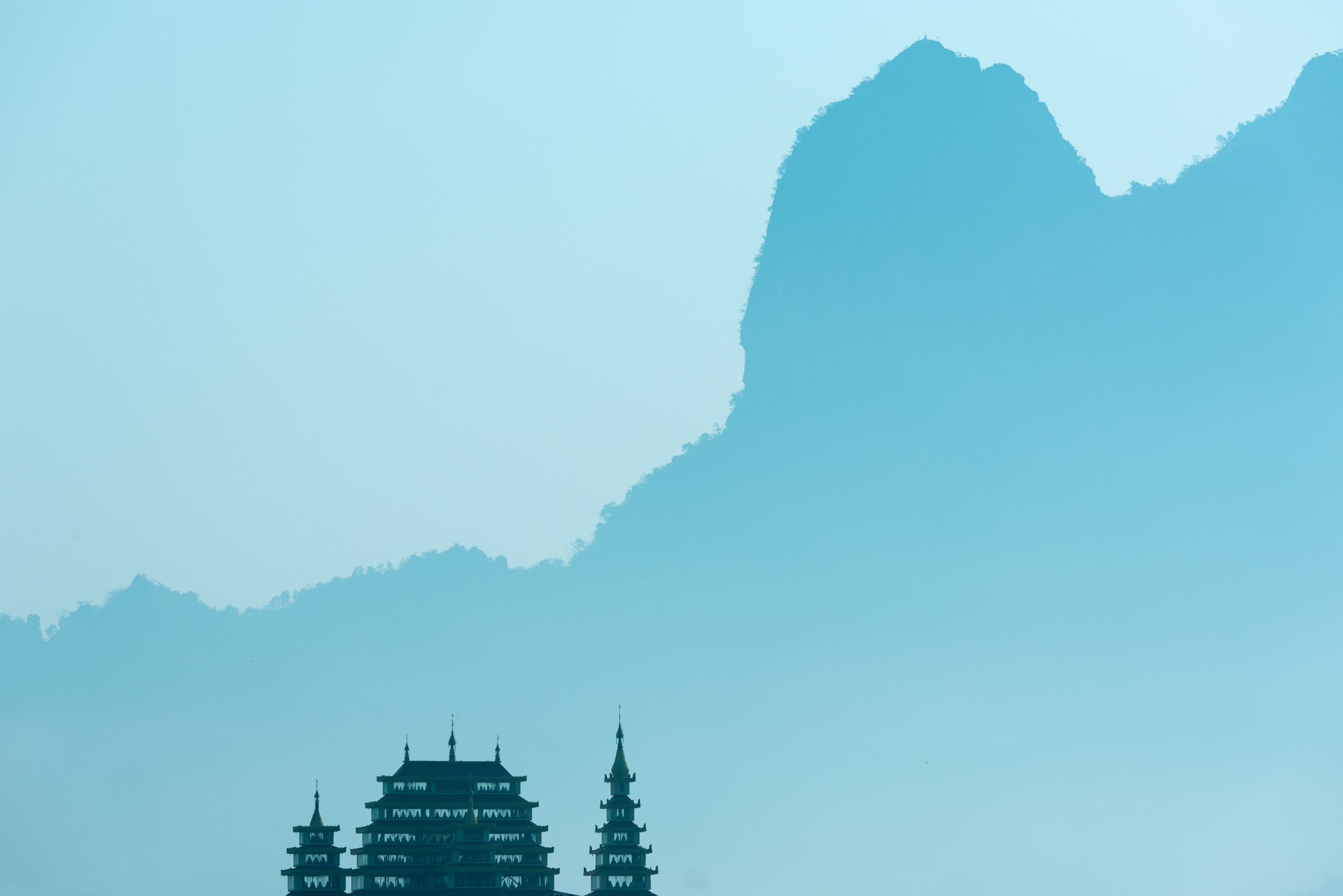 temple-skyline-mountains-blue-dawn-hpa-an-kayin-myanmar-nobody