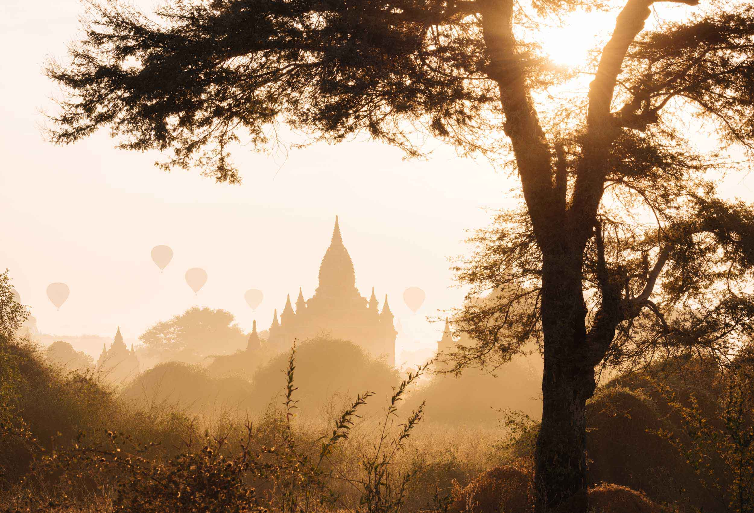 temples-dawn-travel-photographer-bagan-myanmar-asia