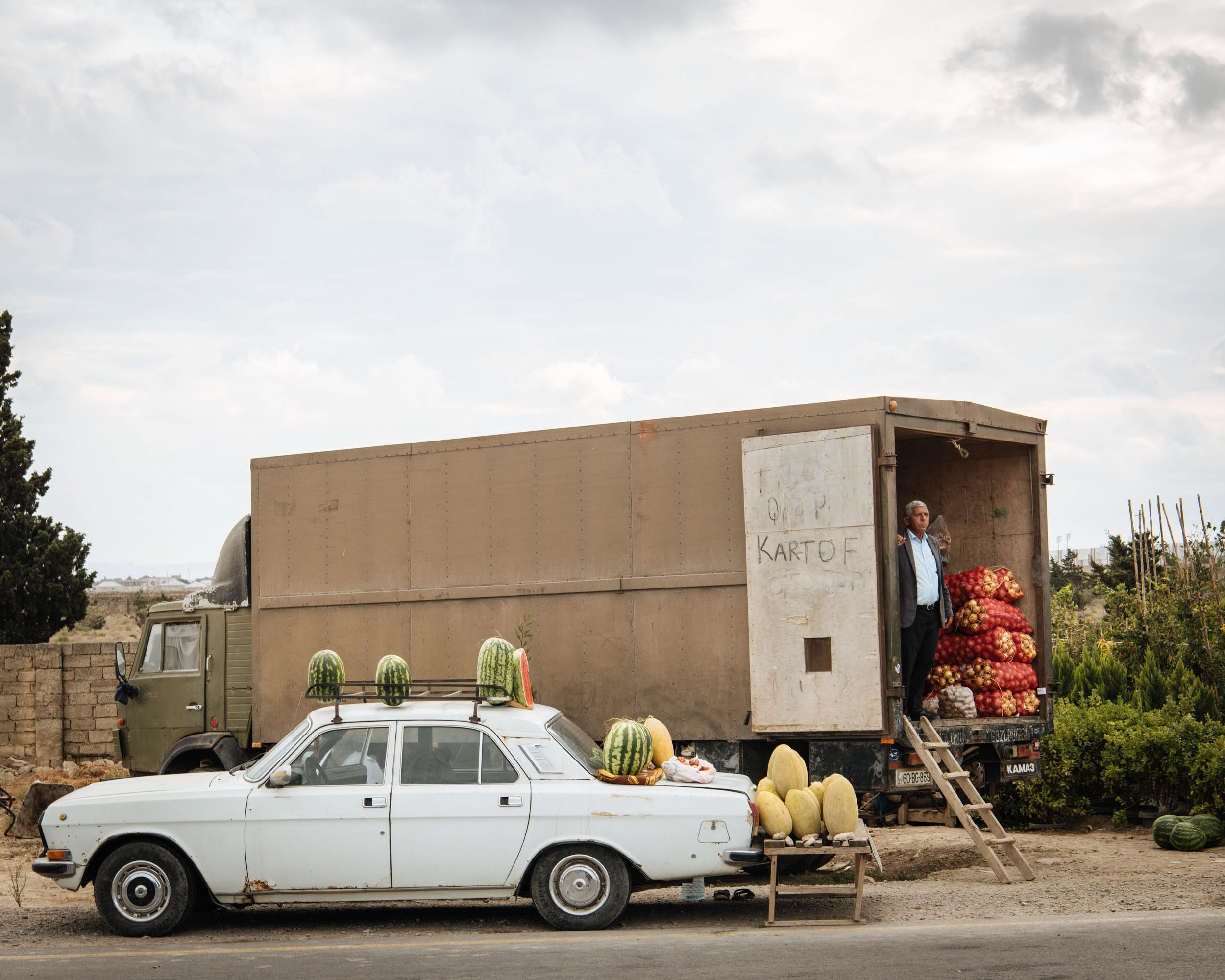 tradition-road-stall-watermelons-azerbaijan