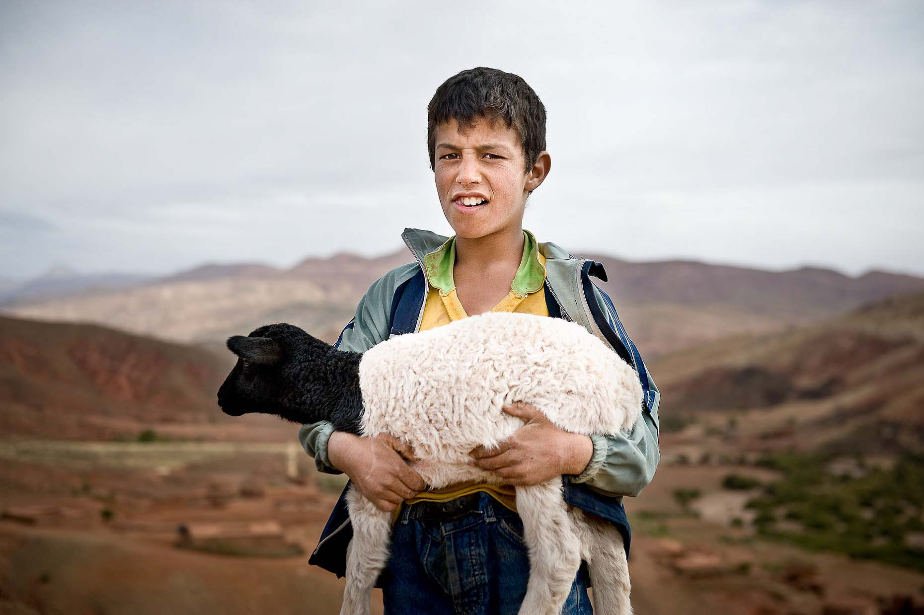 travel-portrait-boy-ouarzazate-morocco-04