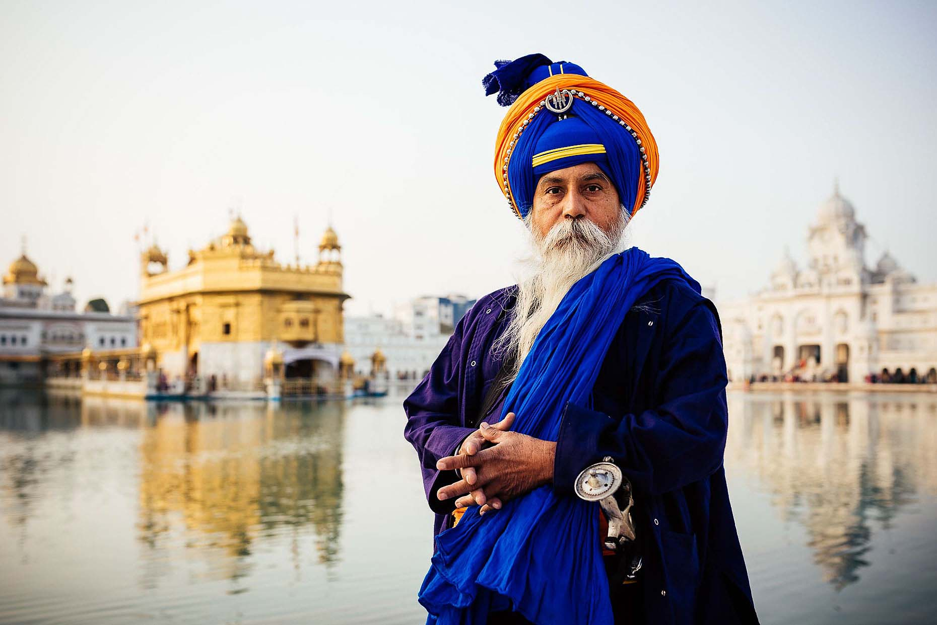 travel-portrait-harmandir-sahib-golden-temple-amritsar-india-04