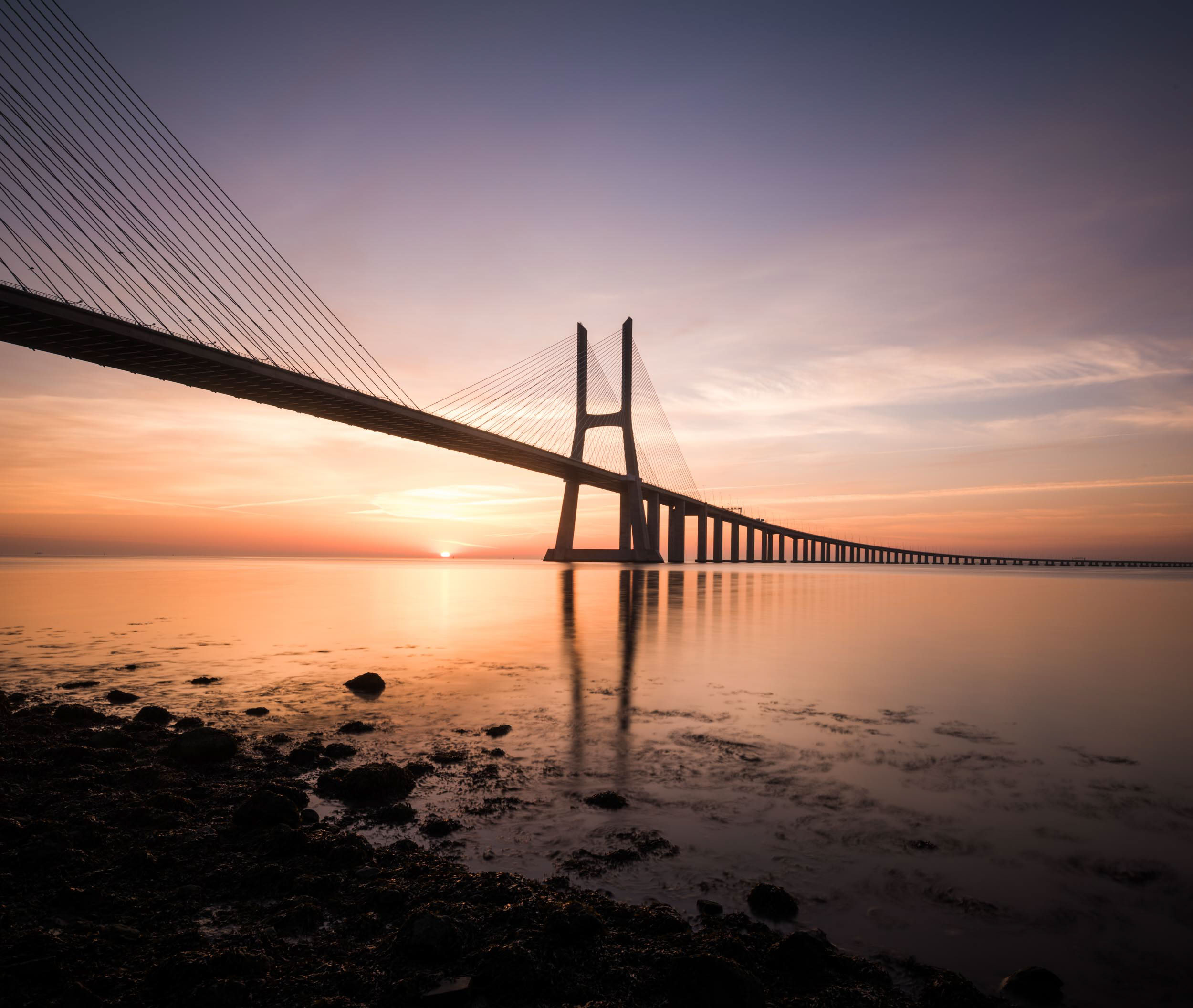 vasco-da-gama-bridge-dawn-sunrise-travel-photography-lisbon-portugal